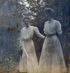 Zillah Trewin (left) with friend May Chenoweth (nee Roberts)