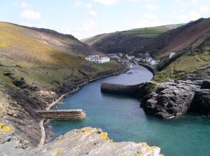 Boscastle, Cornwall (Wikimedia Commons: contributed by JUweL)