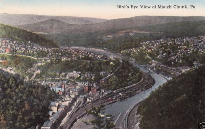 "Postcard picture from 1915 of a ""bird's eye view"" of w:Jim Thorpe, Pennsylvania, then known as ""Mauch Chunk"". (Wikimedia Commons: Public Domain Image)"