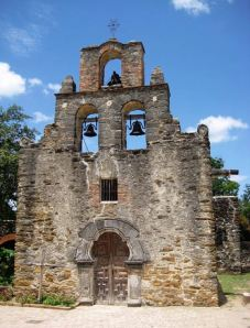Mission Espada Chapel at San Antonio, TX (Wikimedia Commons: Liveon001 © Travis K.Witt, Creative Commons Attribution-Share Alike 3.0 Unported License)