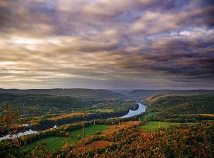 Wikimedia Commons: Northerly view of the Susquehanna River Valley from Council Cup Scenic Overlook, Conyngham and Salem Townships, Luzerne County. 14 October 2007. http://www.flickr.com/photos/nicholas_t/1573275643/ Upriver * Uploaded by User:Gary Dee