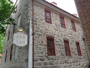 The Moravian Sun Inn, Bethlehem, PA (Wikimedia Commons - Jared Kofsky)