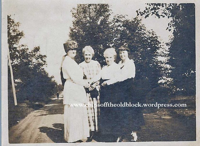Unknown ladies on the left, Elizabeth Sargent Trewin & daughter Zillah