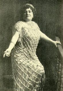 Luisa Tetrazzini - Photo from 1909 book Heart Songs - Wikimedia