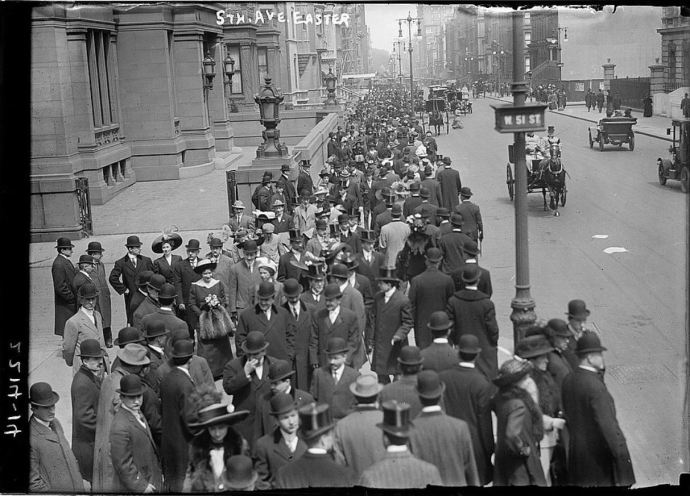 Fifth Avenue Easter Parade (Library of Congress -  LC-DIG-ggbain-09337)
