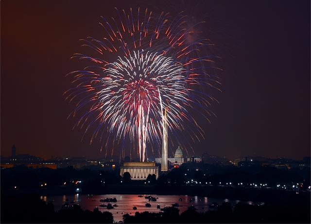 July 4th Fireworks. Washington DC is a spectacular place to celebrate July 4th! The National Mall, with Washington DC's monuments and the U. S. Capitol in the background, forms a beautiful and patriotic backdrop to America's Independence Day celebrations.
