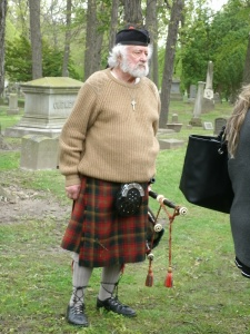 Bagpiper who performed at the ceremony - IMAGE COPYRIGHT: SUE WOODRUFF NOLAND