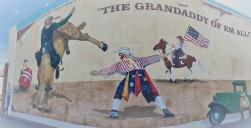 Mural celebrates this old rodeo town