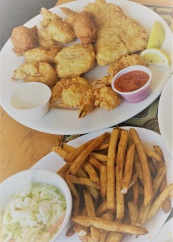 Fisherman's platter my hubby and I shared. It was mighty good albeit a bit naughty of us to indulge in